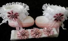 İki Şişle Örgü Bebek Patiği Yapımı