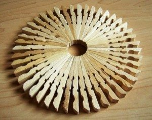 Making-teapot-mat-with-pegs-03-300x236
