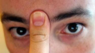 20 Saniye Parmağınızı Bu Şekilde Bastırırsanız