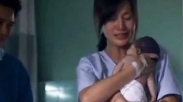 Ölü Doğan Bebek Annesinin Kucağında Can Buluyor