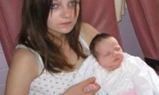 11 Yaşında Abisinden Hamile Kaldı