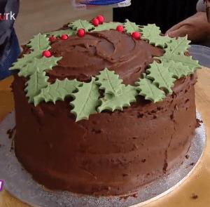 derya-baykal-cikolatali-yilbasi-pastasi-yapilisi