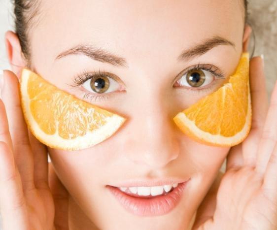 Portakal Dilimi İle Cilt Lekelerini 5 Dakikada Yok Edin