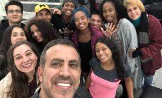 Kolombiyalı Dansçıları Haluk Levent Yardım Elini Uzattı