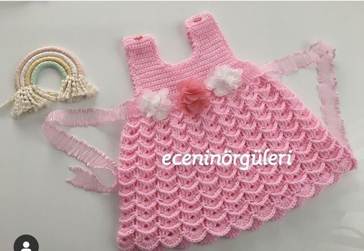 Çok Kolay Şirin Bebek Elbisesi